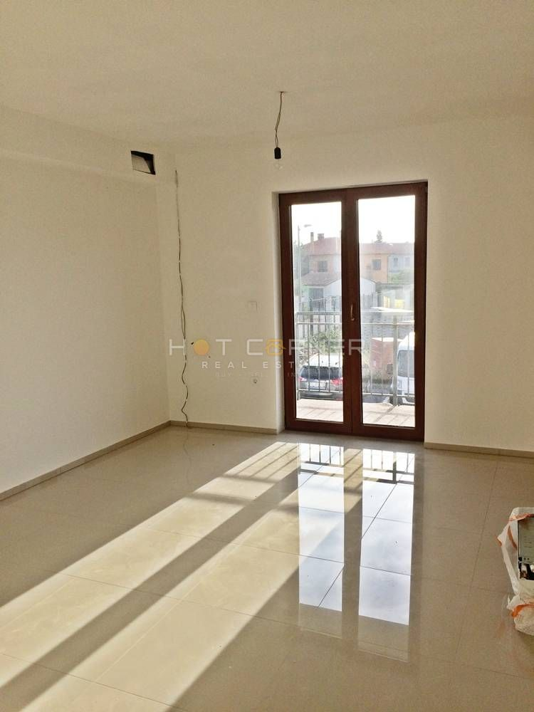 Perfect New Apartmetn, 40 M2 + Balcony, + Parking Lot, 1 Bedroom, 1st Floor,  Apartment