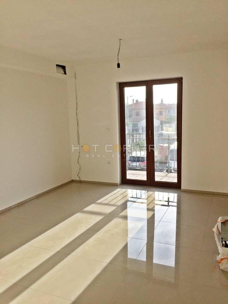 Lovely New Apartmetn, 40 M2 + Balcony, + Parking Lot, 1 Bedroom, 1st Floor,  Apartment
