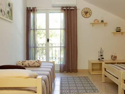 Predivna kuća na Korčuli 1. red do mora