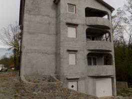 MATULJI - JURDANI, stan od 77 m2