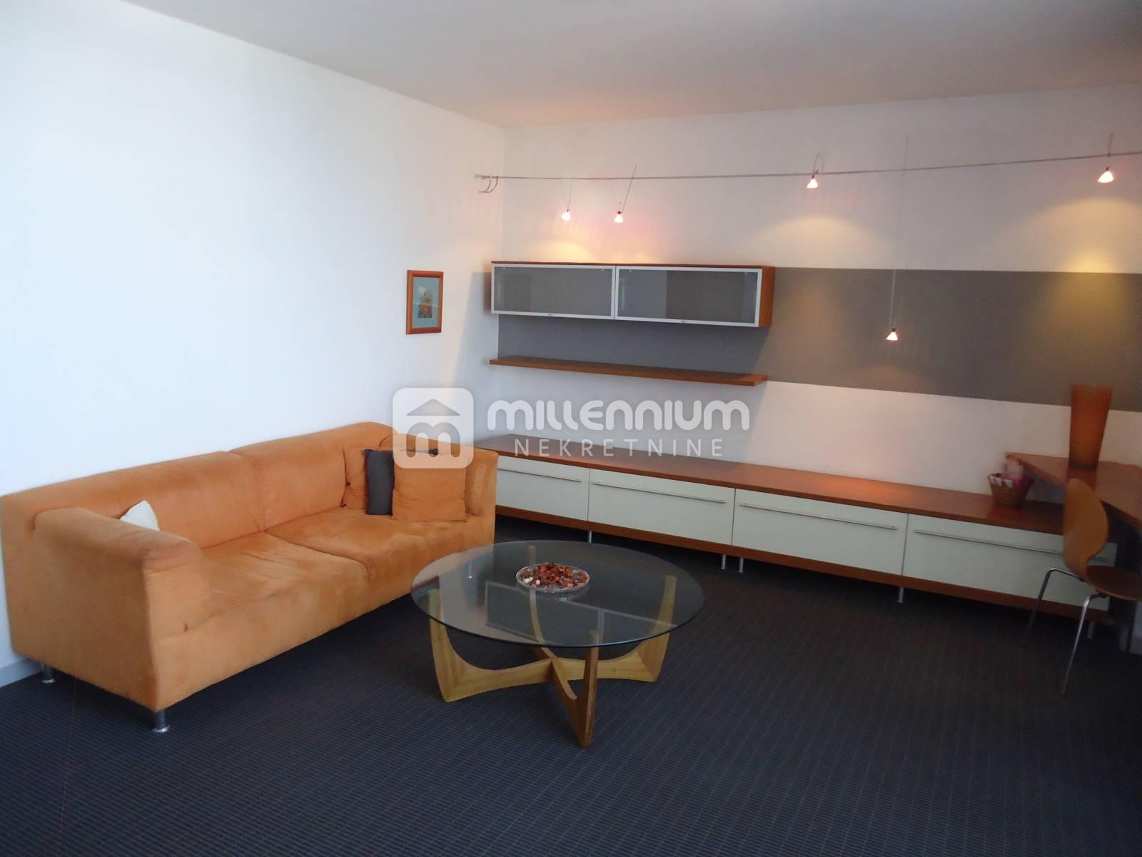 Rijeka, Podmurvice, 79m2, namješten 2-sobni stan s db, 79.000€