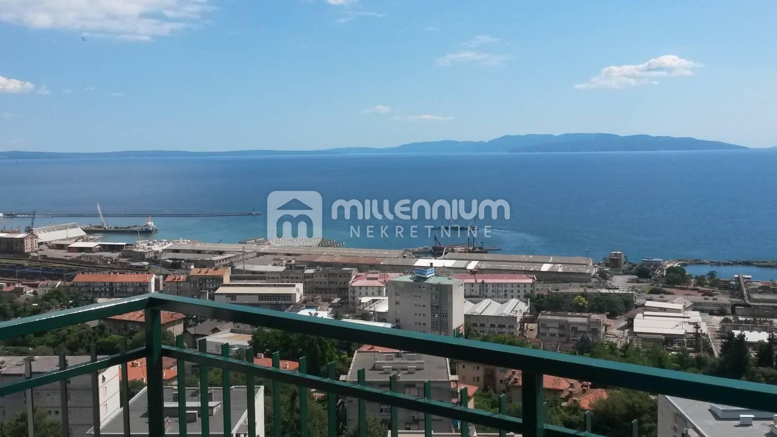 Rijeka, Turnić, 40m2, 1-sobni stan s balkonom i pogledom na more