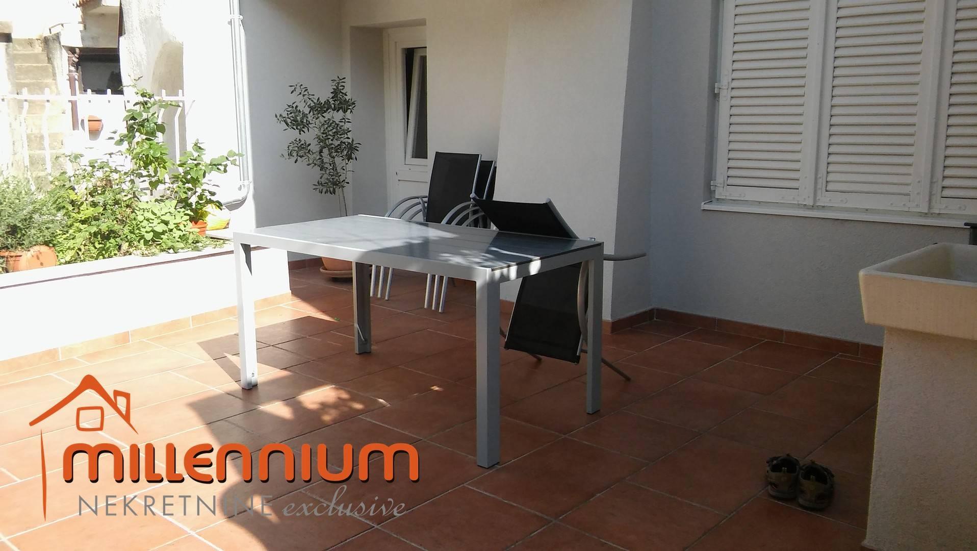 Apartman, Krk, Omišalj, 71.53m2, 2S+DB, balkon, 68.000€