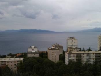 Rijeka, Zamet, 84m2, 2-sobni stan s db, 2 balkona