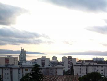 Rijeka, D. Vežica, trosobni s db i balkonom