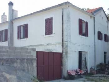 Križišće, kuća za najam od 6 do 12 ležajeva
