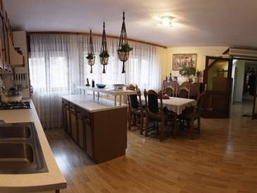 Stan: Zagreb ,strogi centar , DB+3SP , 105.00 m2