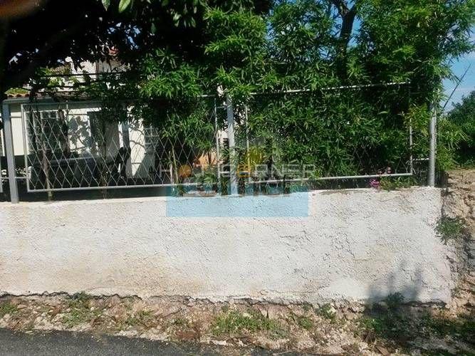 Prilika: Premantura (blizina Rt-a Kamenjak), prizemnica sa 100 m2 vrta