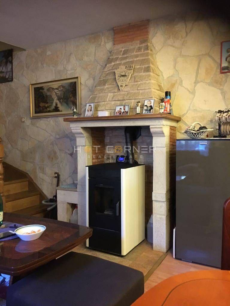 PRILIKA, sniženo, kompletno adaptirana kuća, 82 m2