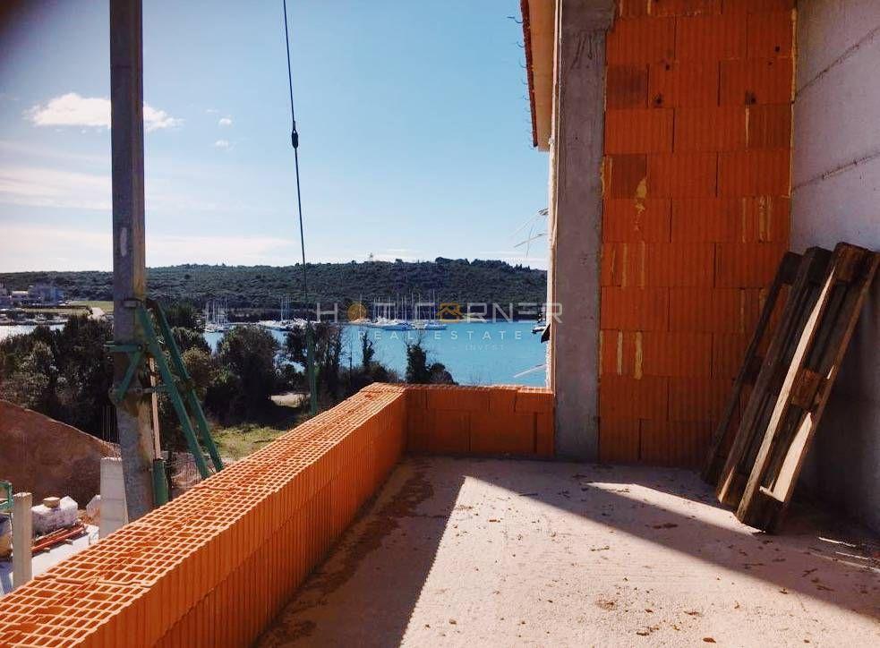 NOVO, Banjole-Volme, prvi red do mora, veliki bazen