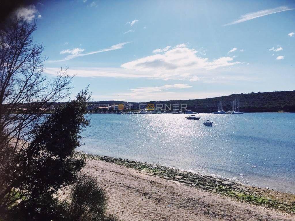NOVO, Banjole-Volme, prvi red do mora, frontalan pogled na more, veliki bazen