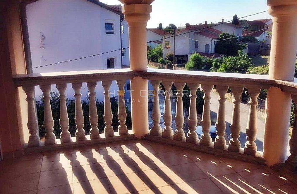 Stan u Medulinu sa dvije spavaće sobe i prostranom terasom