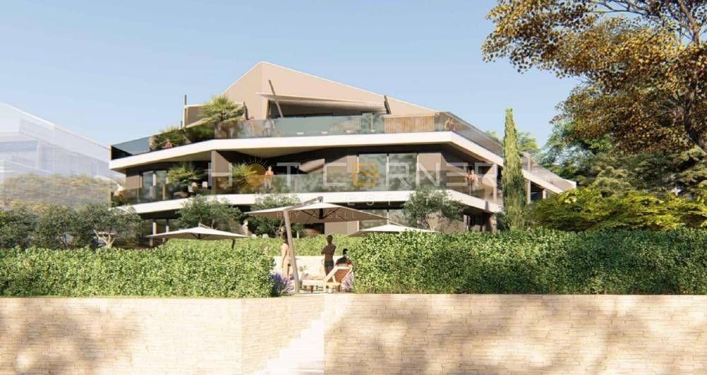 Novo, Banjole - Volme, prvi red do mora, luksuzan dvoetažni stan, grijani bazen