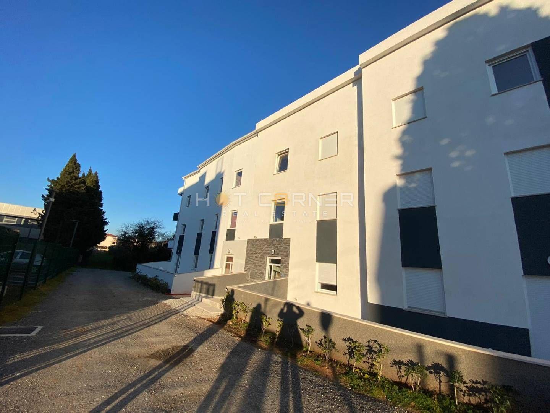 Medulin, neue Wohnung, 2 Schlafzimmer, schöne Terrasse, Meerblick