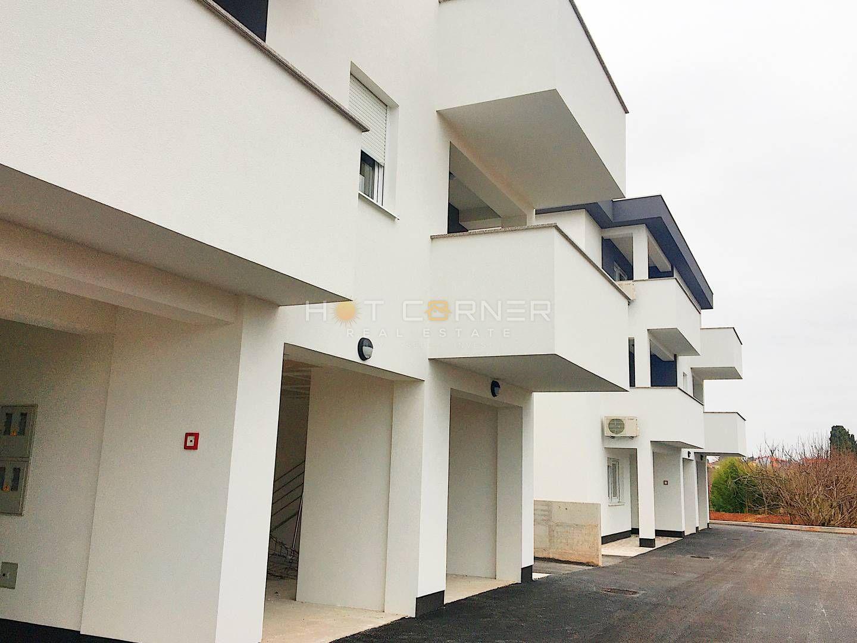 Pula, Valdebek, prilika, prizemni stan u novogradnji, 1.300/m2