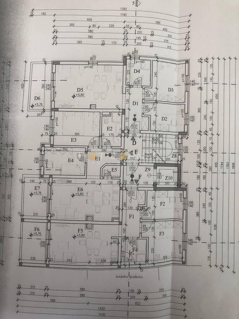 Pula, Kaštanjer - 2.kat, 55m2 , 2SS - top lokacija , NOVO