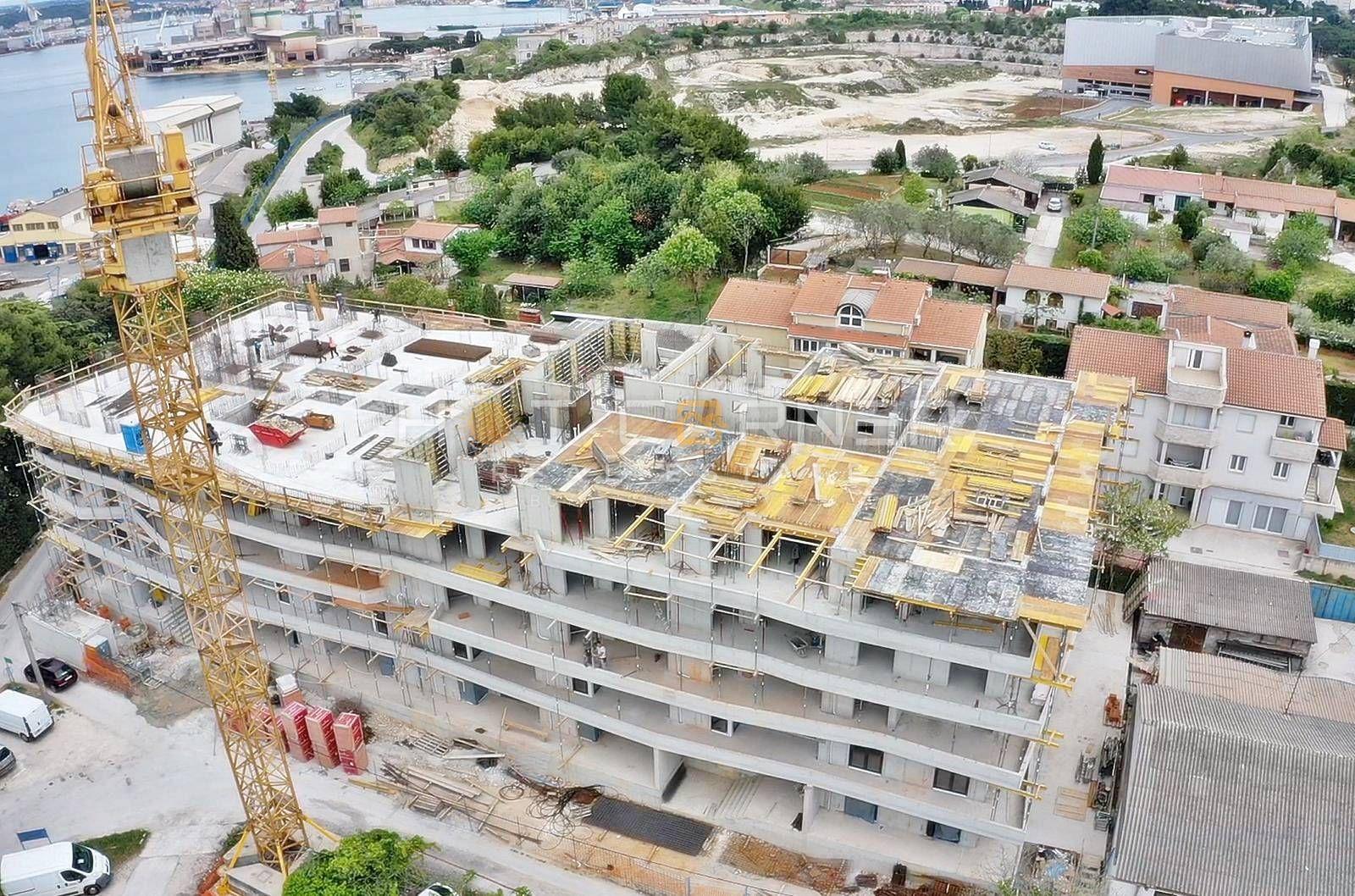 Stan, Pula, Stoja, Zelenika, top lokacija, u izgradnji, 3 SS, 150m od plaže, pogled na more
