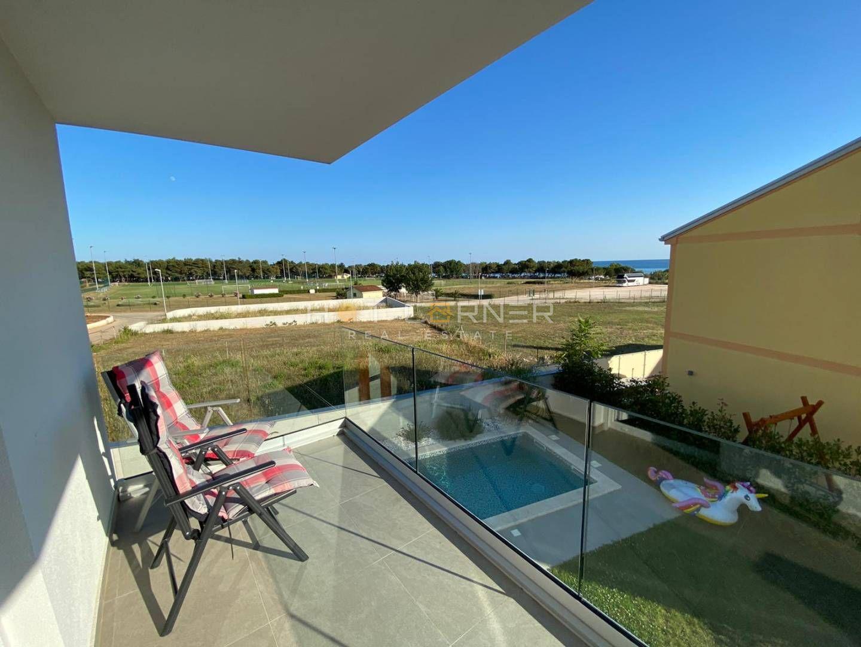 Medulin, vila s 5 zvijezdica, bazen, pogled na more, 200m od plaže