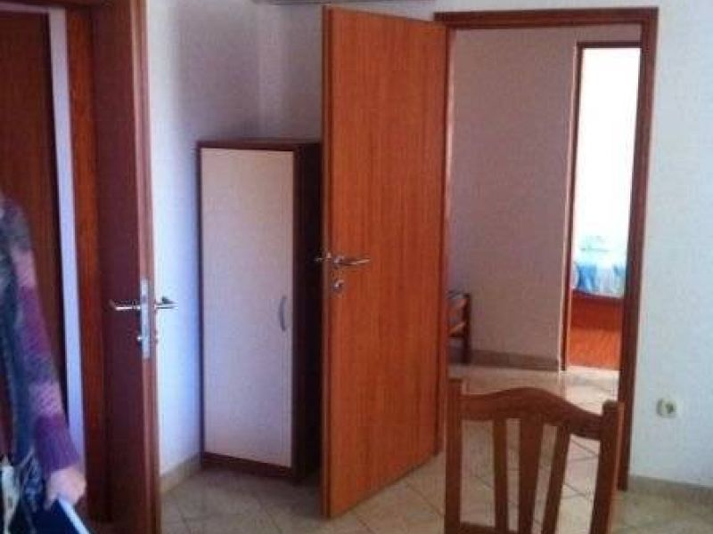 Peroj, prizemni stan, 2 SS, dvije terase