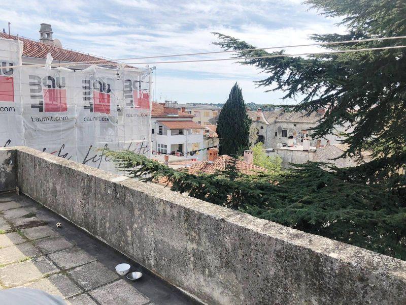 Prilika, polovica jedinstvene talijanske vile u strogom centru Pule sa velikim vrtom