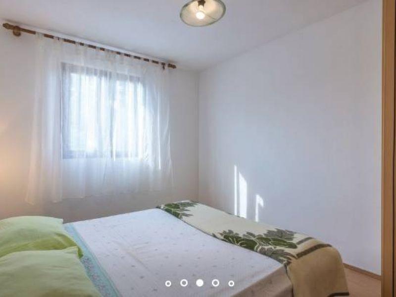 Medulin, Erdgeschosshaus auf einem Grundstück von 200 m2
