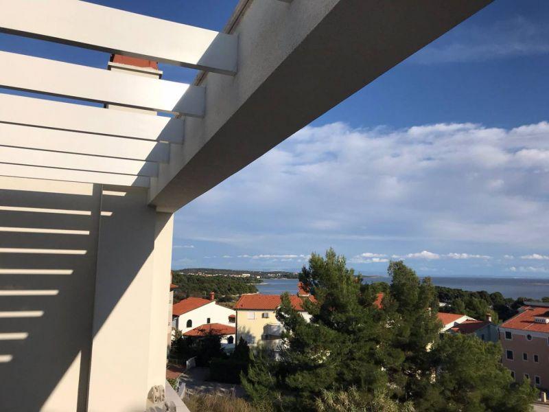 Premantura, fantastic multi-storey apartment with sea view