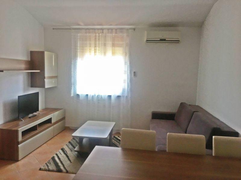 Peroj, lijep stan s dvije spavaće sobe