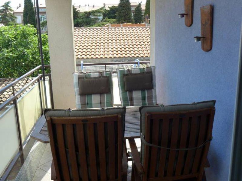 Fažana, 400 m od plaže, namješten apartman, 2 SS, lijepa terasa