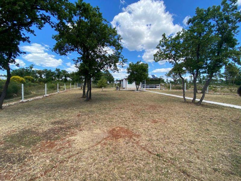 Barbariga, zemljište sa mobilnom kućicom