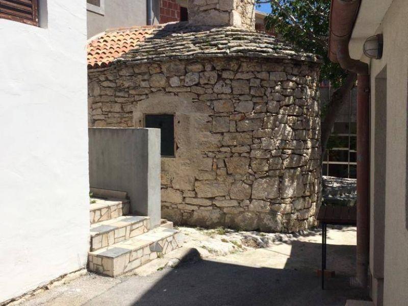 Premantura, prostrana kamena kuća sa panoramskim pogledom na more