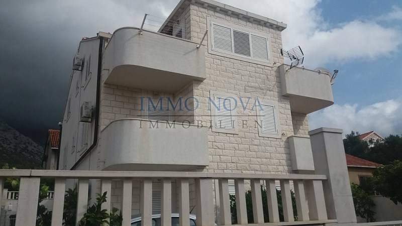 Orebić, Moderno namještena apartmanska kuća sa 4 apartmana i prekrasnim stanom