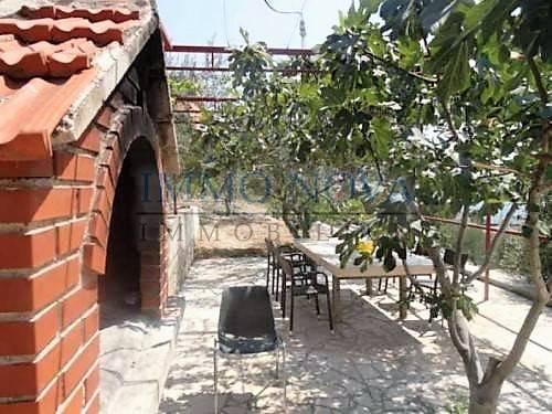 Lijepa kuća kod Rogoznice