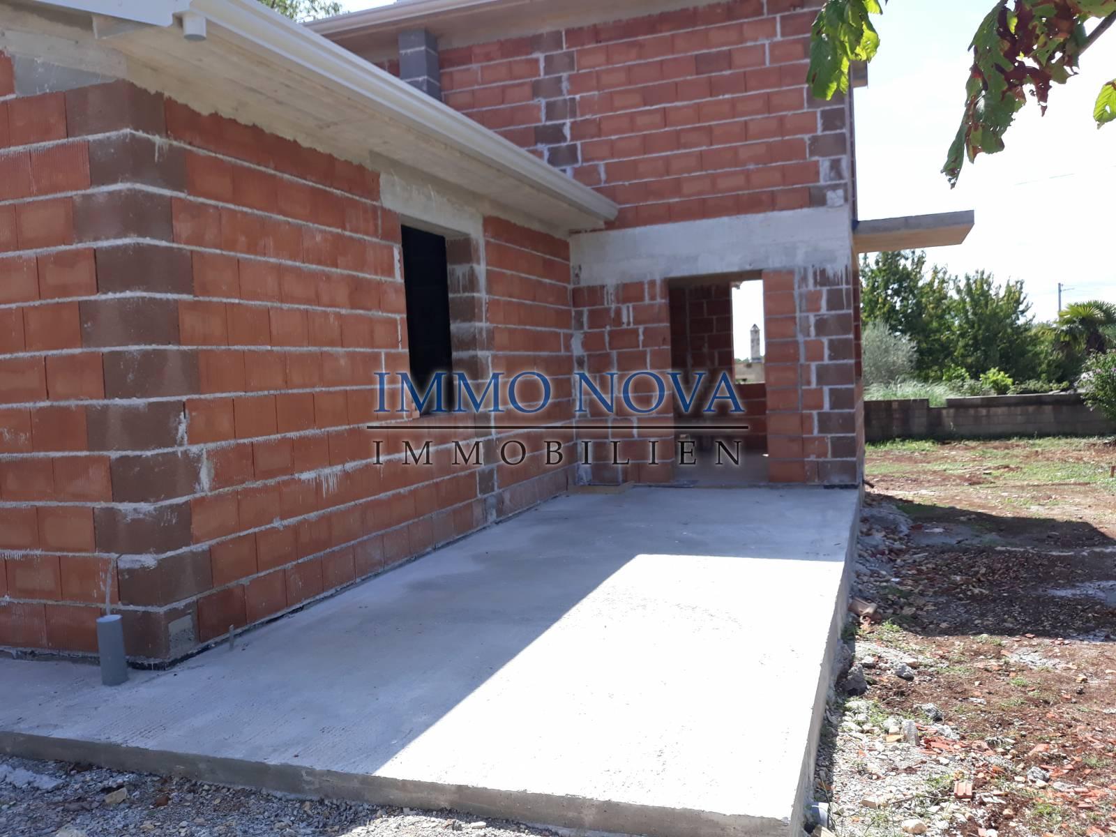 Istra,  samostojeća kuća sa bazenom, novogradnja 215.000€