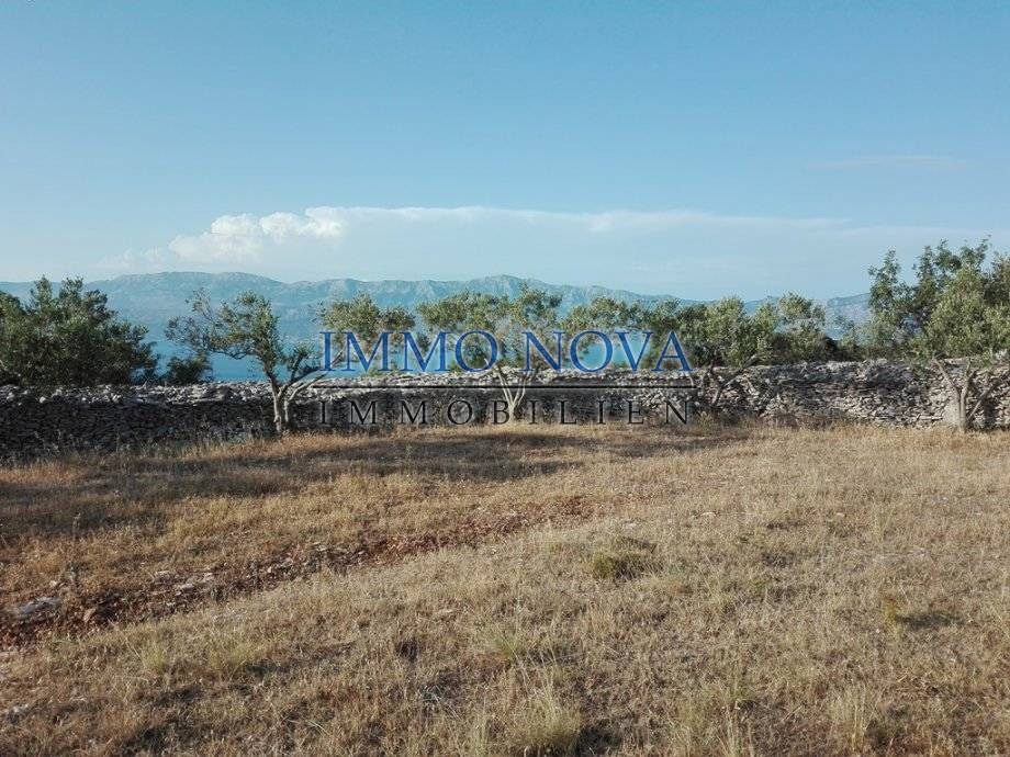Poljoprivredno zemljište s pogledom na more i objektom površine 25m2