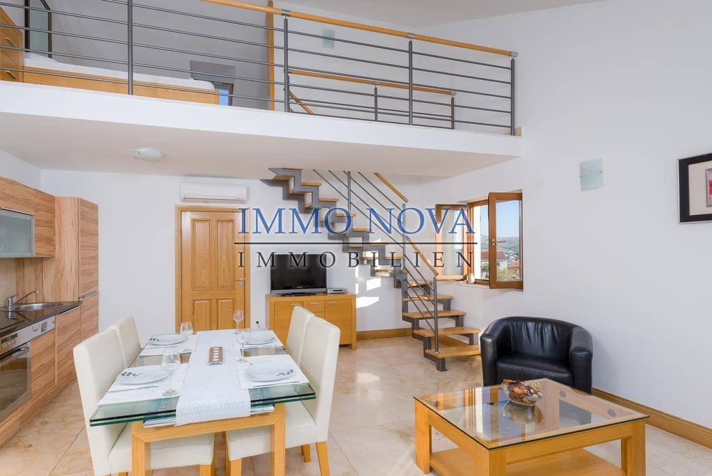 Milna, Brač, više apartmana na prodaju
