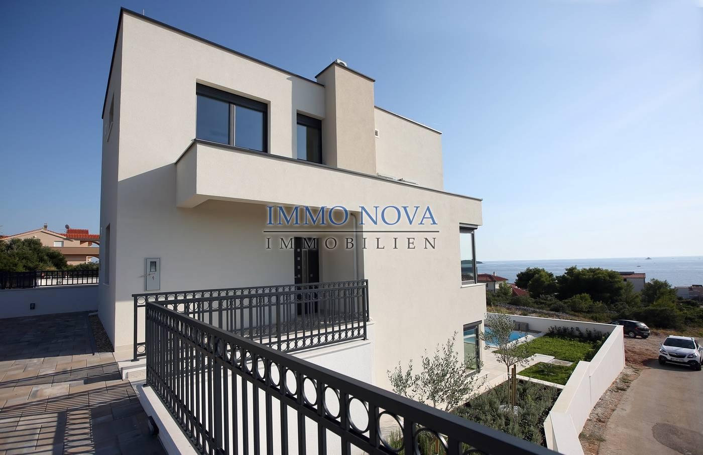 Villa Rogoznica, 280m2