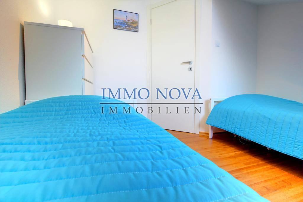 Novo u prodaji: Apartman na plaži, otok Brač (1.red)