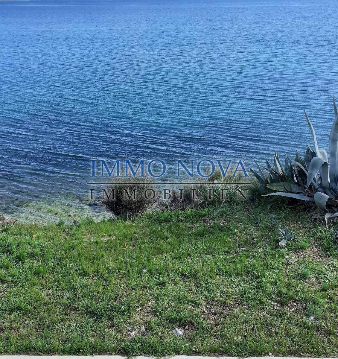 Građevinsko zemljište 1. red do mora - Trogir, okolica.