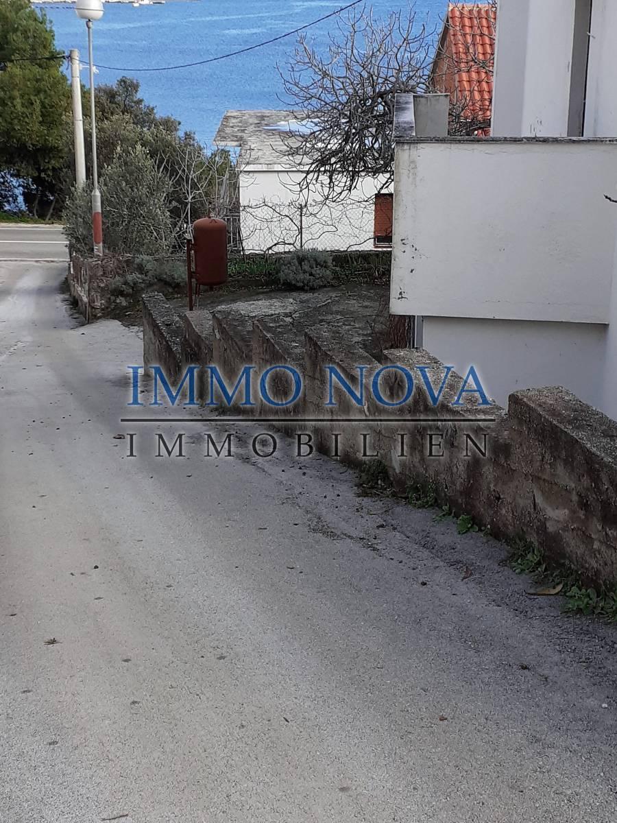 Prilika: Kuća na prodaju samo 50 m od plaže, Marina okolica