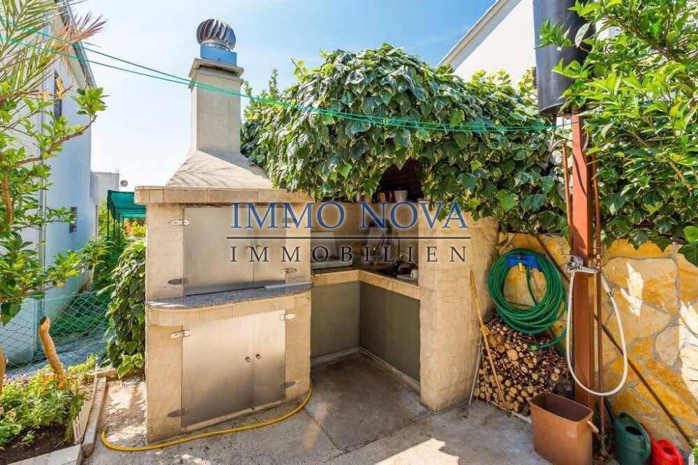 Trogir, Čiovo, lijepa kuća na prodaju