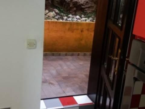 Opatija - Ika, Lijepi renovirani stan u prvom redu do mora
