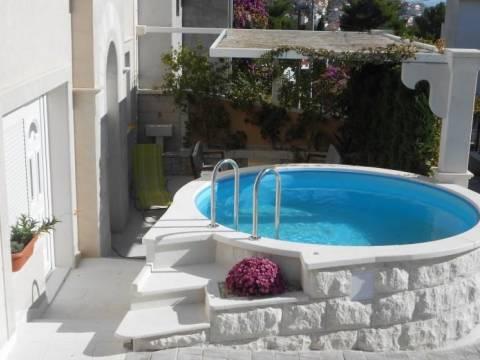 Kuća Čiovo s pogledom na more i bazenom