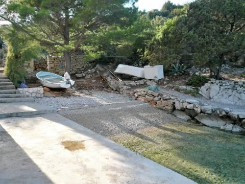 Kamena kuća za renoviranje - Hvar 1. red do mora