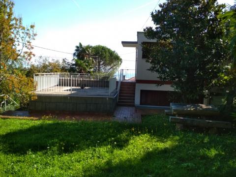 Kuća u Lovranu, Lijepa dvojna kuća u blizni mora