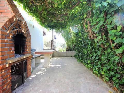 Lijepa kuća na Čiovu, Okrug donji