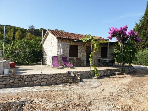 1st row land with 2 existing objects - Hvar