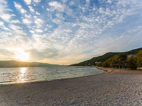 PRODANO!!! Dvojna trokatnica blizu plaže, Seget Vranjica - Trogir