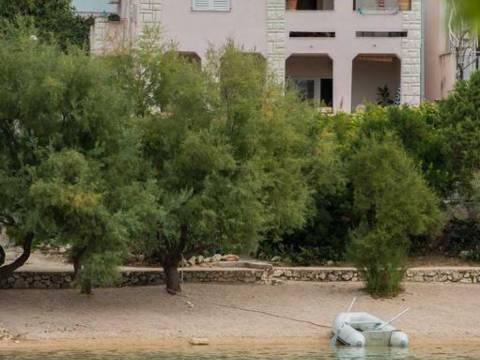 Kuća na plaži, 1.red., u blizini Primoštena