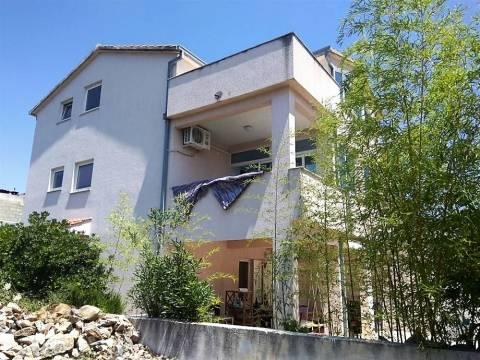 Dvojna kuća s bazenom - Čiovo, južna strana