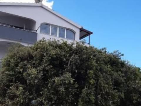 Kuća uz samo more kod Primoštena